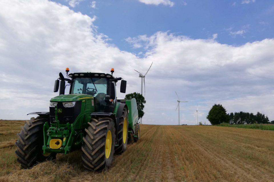 """Jak kobiety wykorzystują innowacje w gospodarstwie rolnym (cz.2): Z maszynami i nowoczesnymi technologiami """"na Ty"""""""